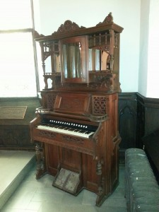 Holy Cross Victorian Parlor Organ